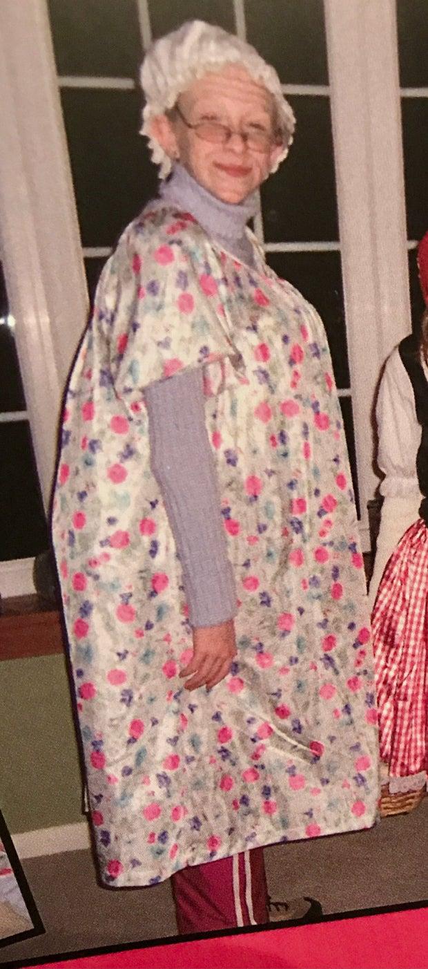 Girl poses as a grandmother for Halloween