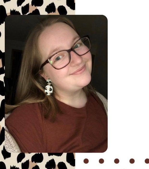 Hannah Hippensteel wearing statement earrings