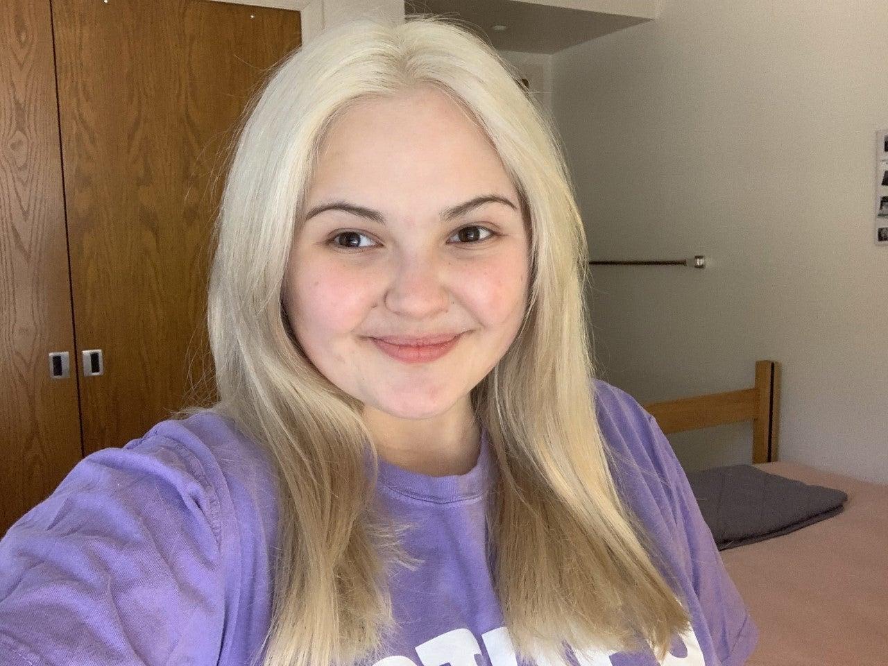 girl with no makeup