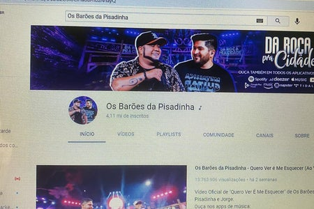 Channel of the band Barões da Pisadinha on my computer