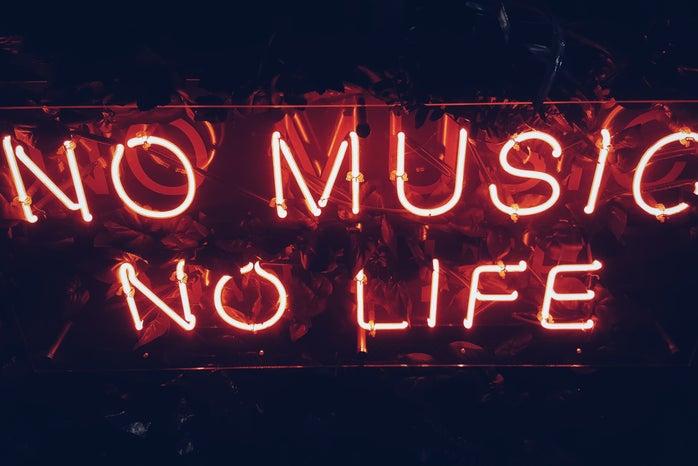 Neon sign: no music no life