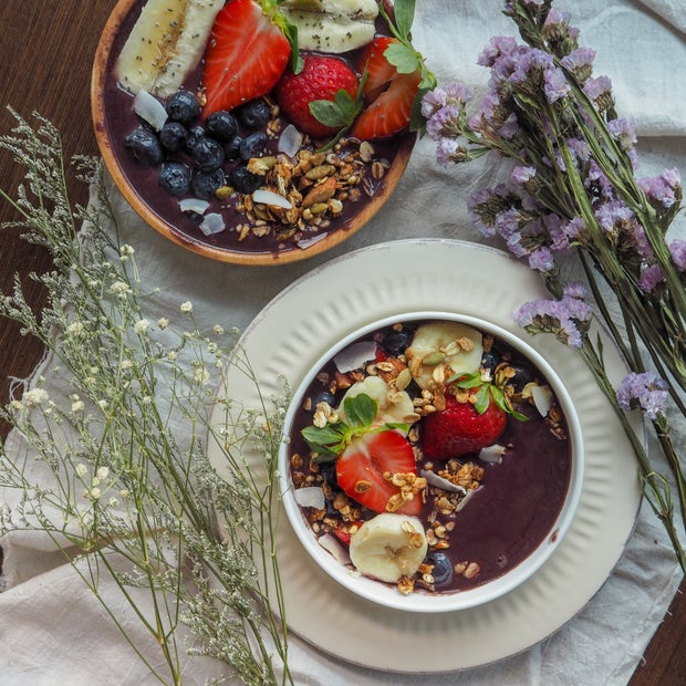 Acai bowls with flowers