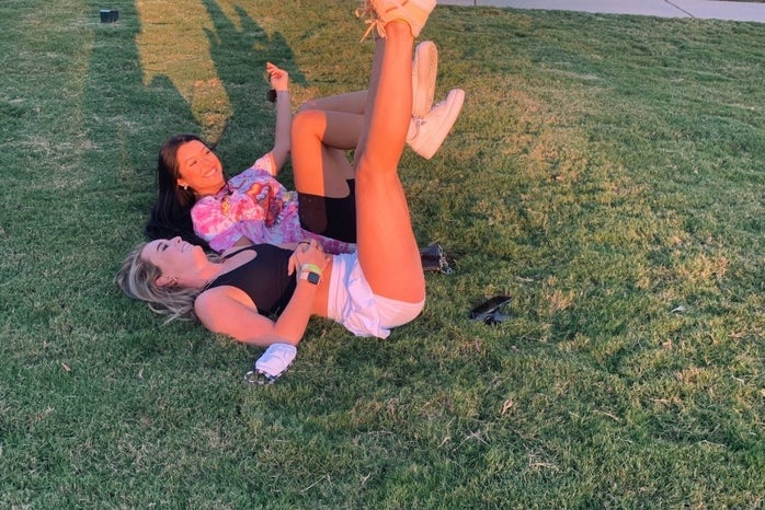 Picture of green grass with friend