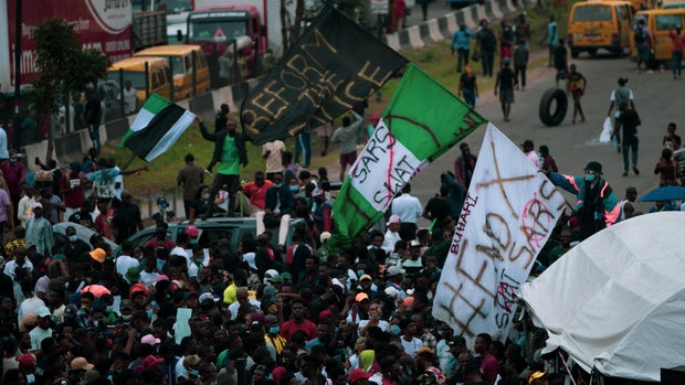 Nigerian youths protesting against SARS
