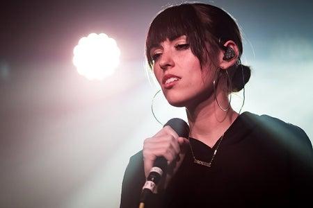 Sasha Sloan performing live in concert