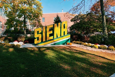 Siena College sign