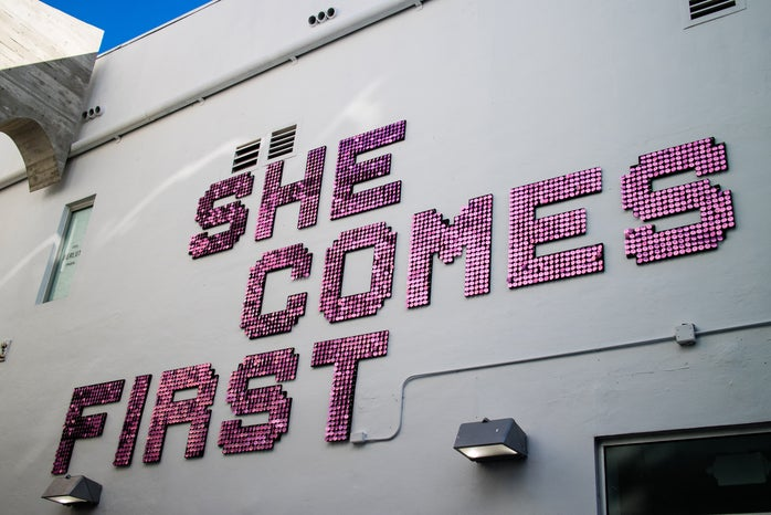 ""\""""She Comes First""""""698|466|?|en|2|b0c4b36070a04985c84319b462e161b7|False|UNLIKELY|0.30004289746284485
