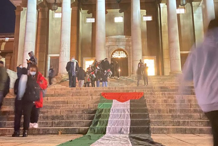 Palestine flag on stairs of UCT for memorial