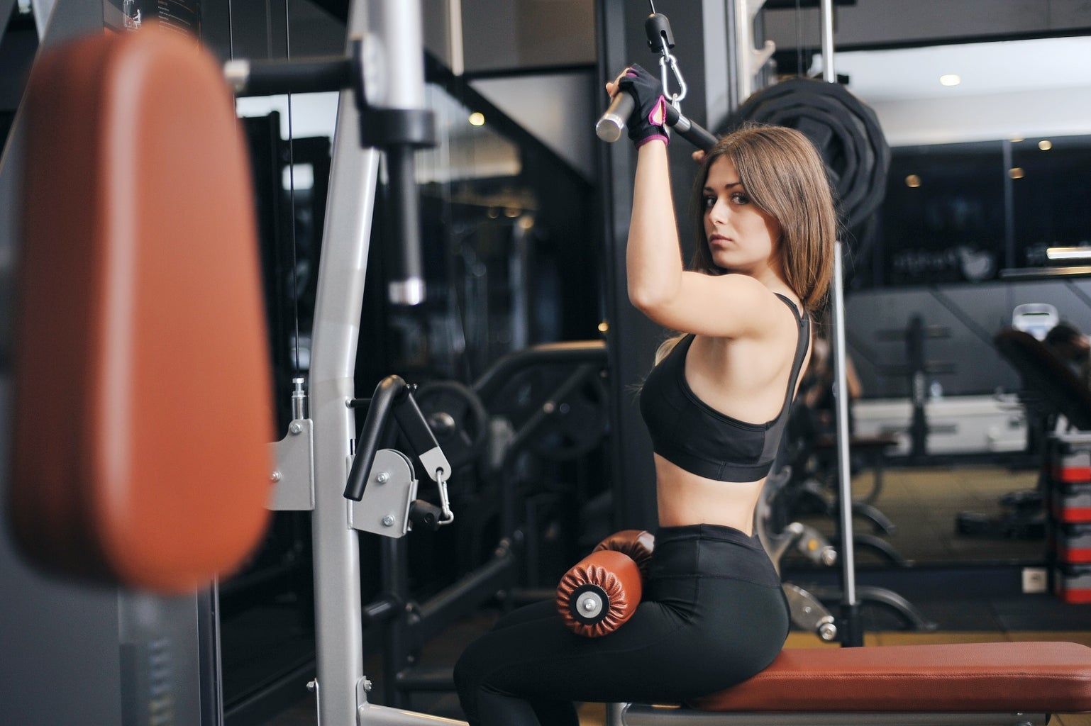 woman doing pulldown exercise
