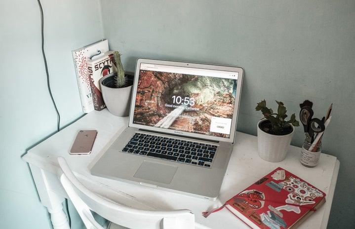Kitty\'s desk