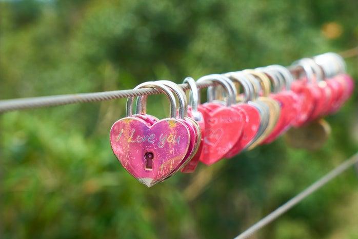 pink heart-shaped padlocks