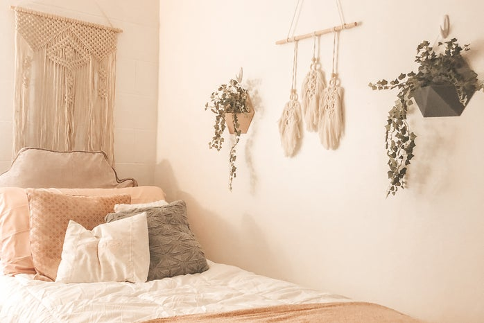 dorm bed with white comforter