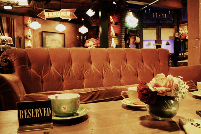 The couch in Central Perk from FRIENDS