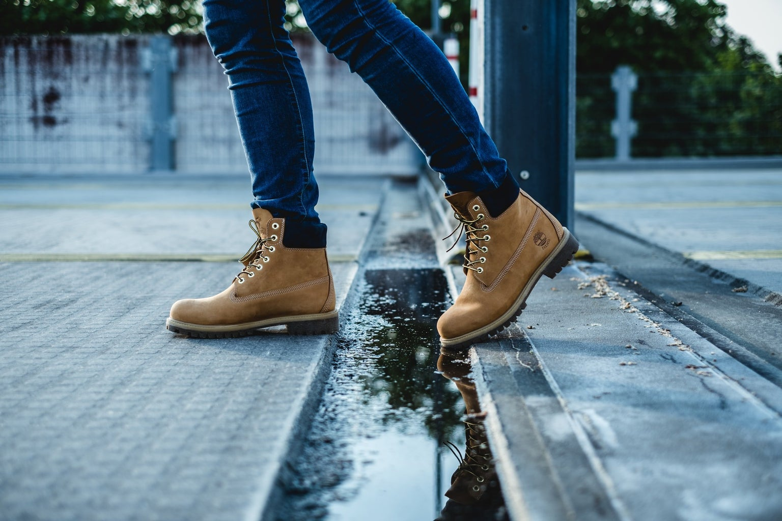 Brown leather chunky boots fall fashion