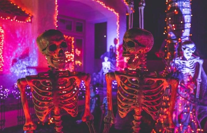 Skeletons as Halloween decor