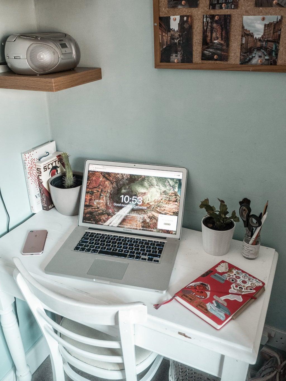 Kitty Jade\'s desk