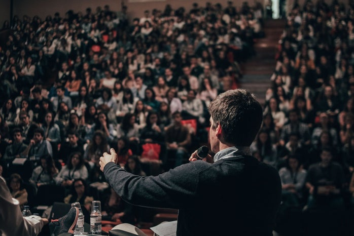 Debate crowd