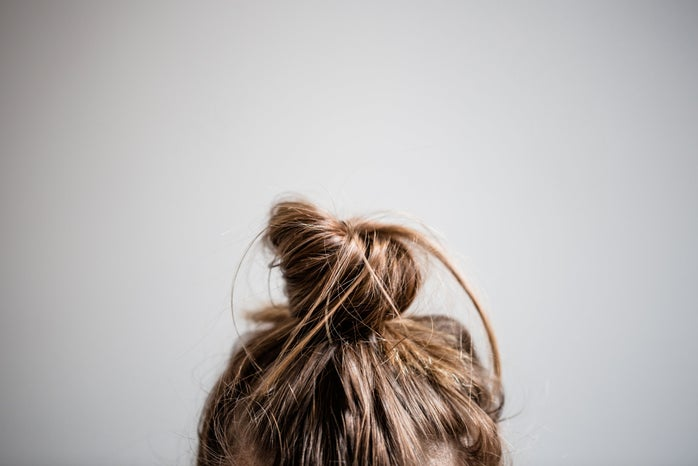 hair in messy bun