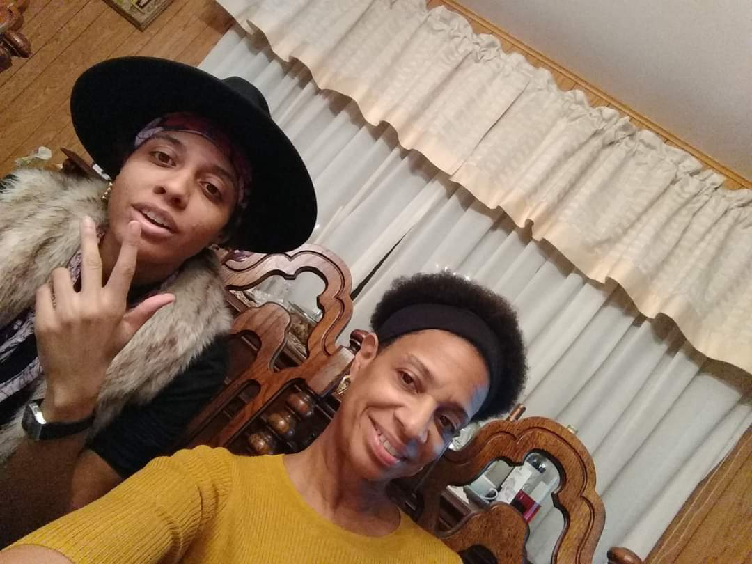 Craig (right) and her mother celebrating thanksgiving 2020