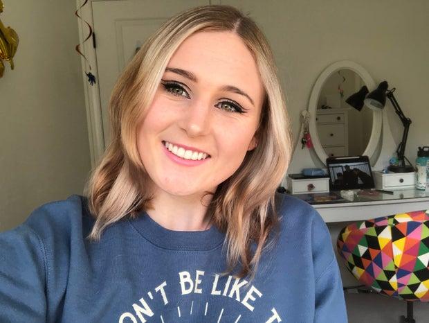 double winged eyeliner makeup