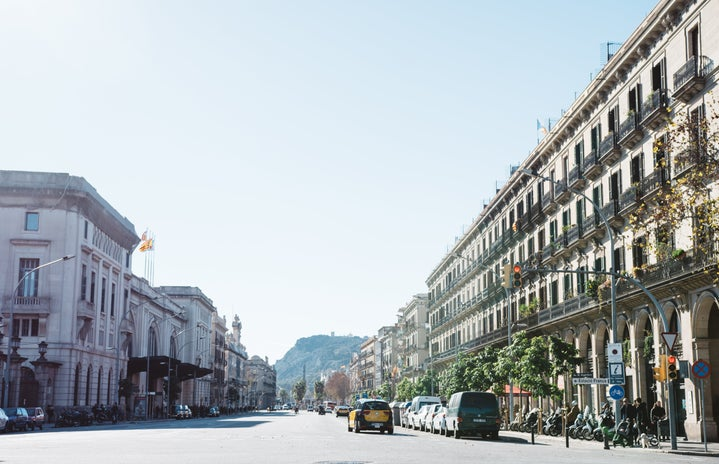 spain barcelona abroad street buildings europe cars landscape pretty city .pdf