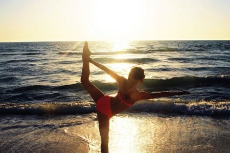 yoga sunset beach exercise health mental peaceful vacation