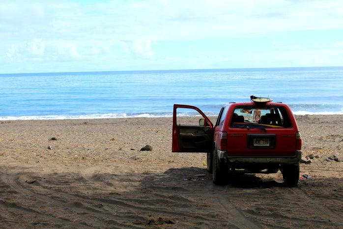 hawaii jeep surf board beach