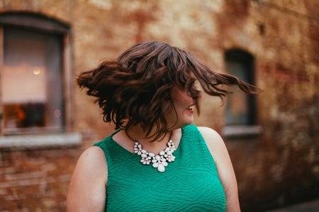 Kayla Bacon-Hair Flip Short Hair