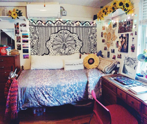 College Bedroom Cozy Sunflowers Pillows High Res