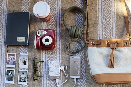The Lalapurse Contents Flatlay