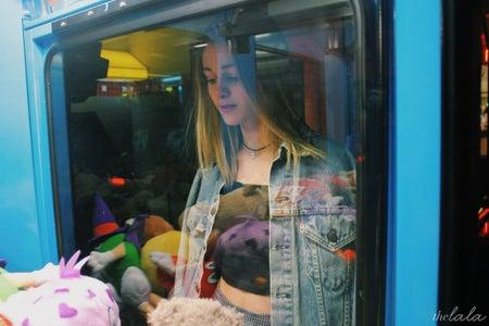 Anna Schultz-Girl In Arcade