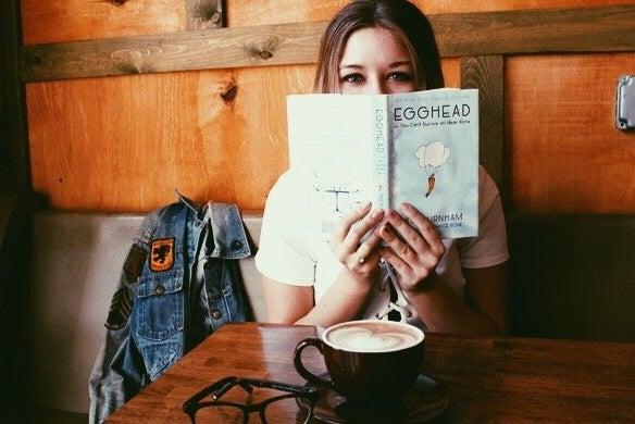 Amelia Kramer-Coffee Shop Date Booke Glasses Latte Cozy