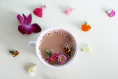 The Lalaearl Gray Latte And Edible Flowers