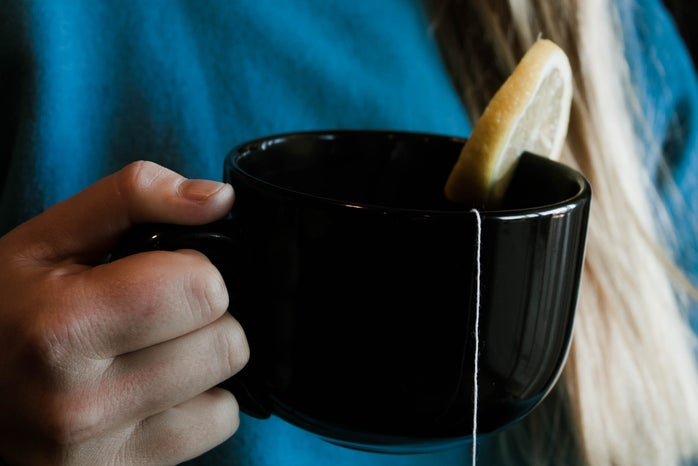 Lemon_Tea_In_Hand