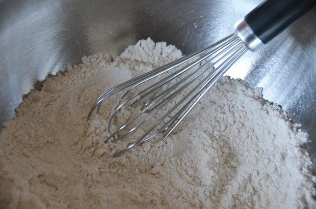 Flour Whisk Mixing Bowl