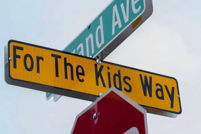 Street sign, for the kids