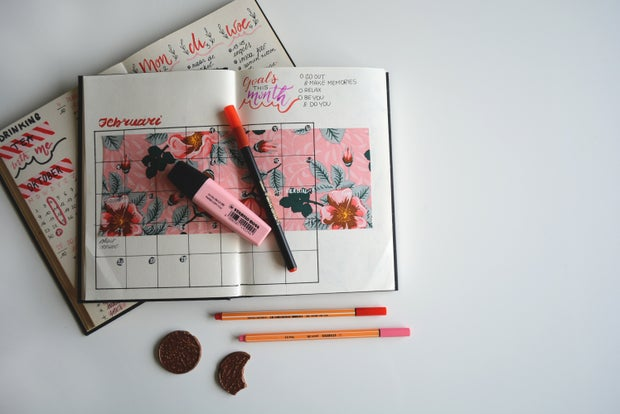 November planner with coffee cup