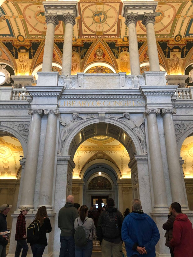 """Archway with """"LIBRARY OF CONGRESS"""" written on it"""
