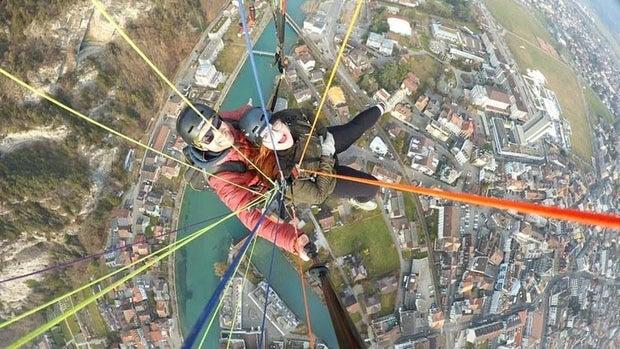 cristina paragliding