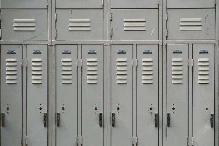 Grey lockers