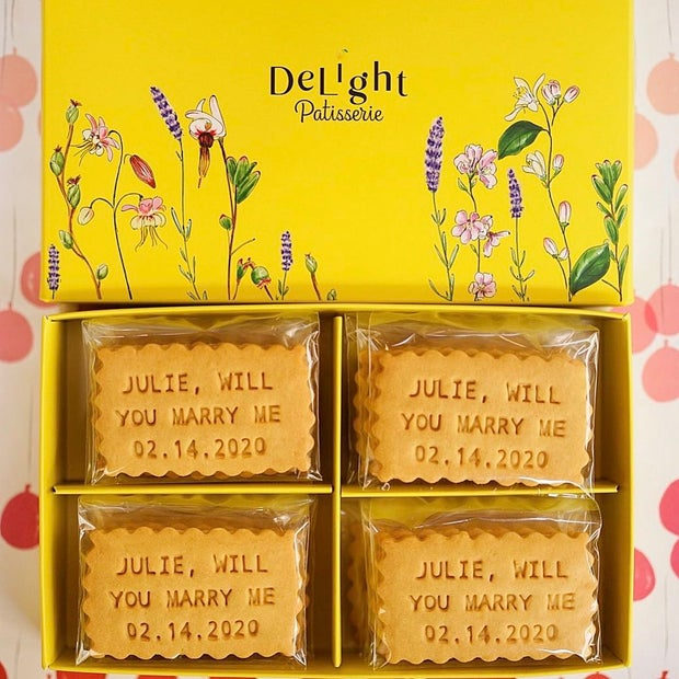 DeLight Patisserie dessert box