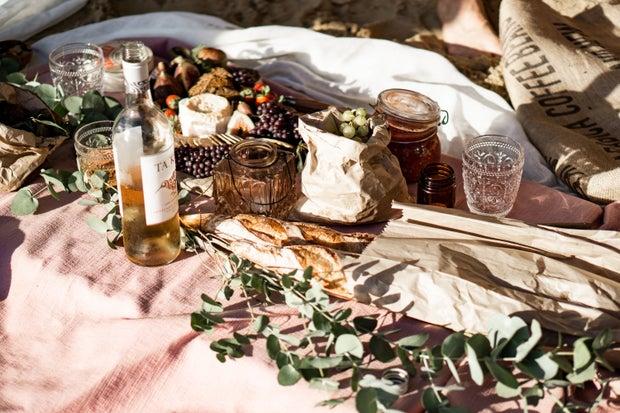 Cute artsy picnic