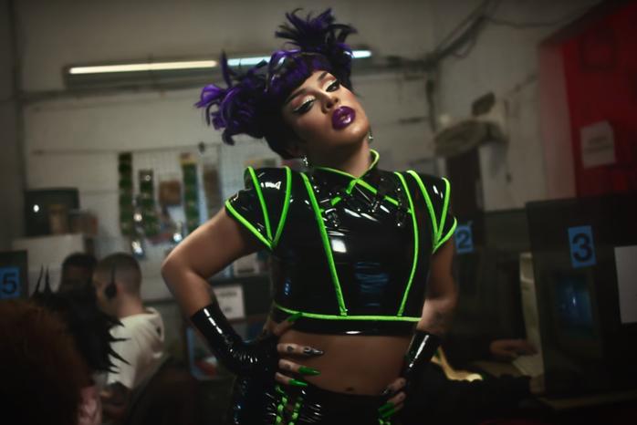 The brazilian drag queen Gloria Groove in her video clip