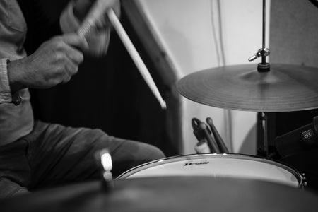 B&W picture of a drummer