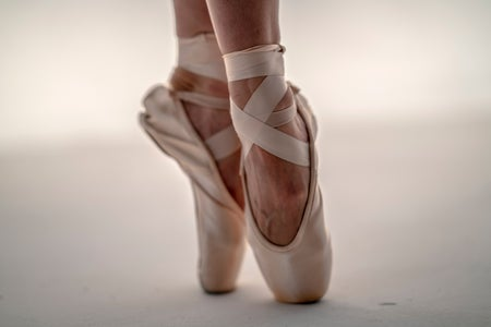 pointe shoes close