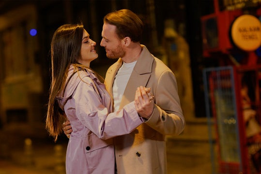 A promotional image from Sen Çal Kapimi, a TV Series